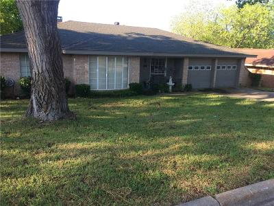 Fort Worth Single Family Home For Sale: 7412 Yolanda Drive