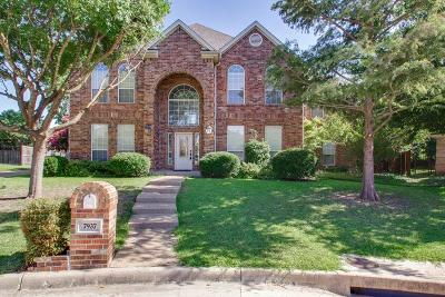Fort Worth Single Family Home For Sale: 7937 Vista Ridge Drive S