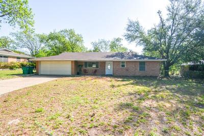 Stephenville Single Family Home Active Kick Out: 831 N Lydia Street
