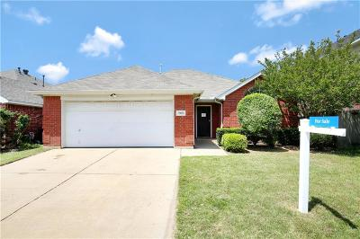Fort Worth Single Family Home For Sale: 7925 Crouse Drive