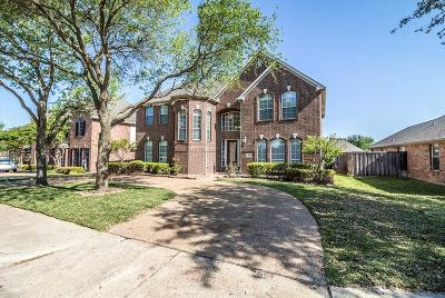Single Family Home For Sale: 960 Shores Boulevard