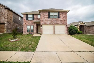 Haltom City Single Family Home For Sale: 5145 Mirror Lake Drive