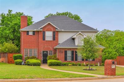 Kennedale Single Family Home For Sale: 607 Hilltop Court