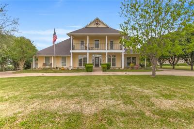 Granbury Single Family Home Active Contingent: 2014 Tree Top Court