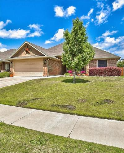 Burleson Single Family Home For Sale: 729 Evergreen Court