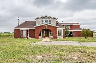 Cleburne Single Family Home For Sale: 4400 Saint Leger Drive