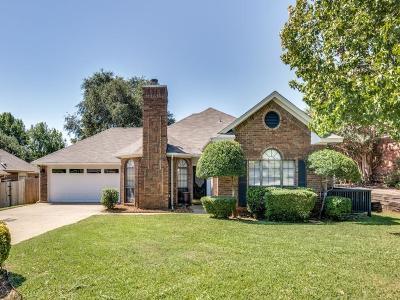 Grapevine Single Family Home For Sale: 2121 N Aspenwood Drive