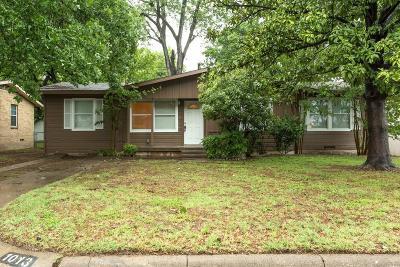Arlington Single Family Home Active Option Contract: 1013 W Tucker Boulevard