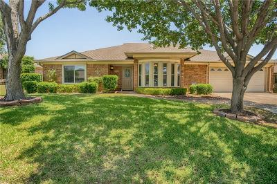 North Richland Hills Single Family Home For Sale: 7316 Shady Hollow Lane