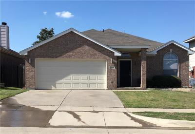 Fort Worth Single Family Home For Sale: 4941 Stirrup Way