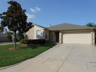 Mansfield Single Family Home For Sale: 601 Hollyberry Drive