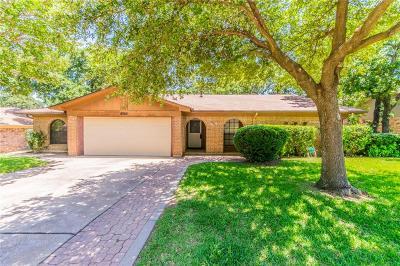 Arlington Single Family Home For Sale: 4205 Blossom Trail