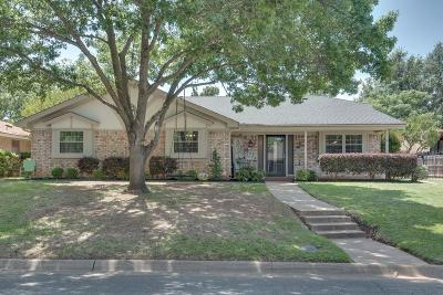 Hurst Single Family Home Active Contingent: 413 Baker Drive