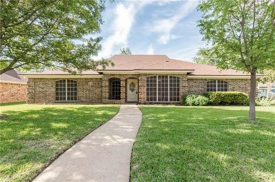 North Richland Hills Single Family Home For Sale: 8416 Stephanie Drive