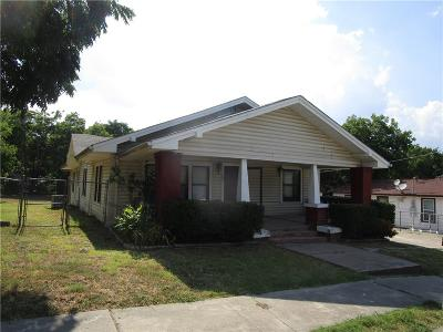 Weatherford Single Family Home For Sale: 109 N Alamo Street