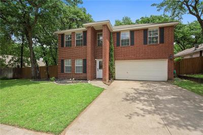Arlington Single Family Home For Sale: 5505 Bright Star Trail