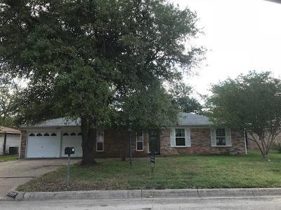 Benbrook Single Family Home Active Option Contract: 1117 Cozby Street E