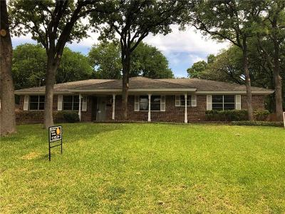 Bedford, Euless, Hurst Single Family Home For Sale: 709 Hurst Drive