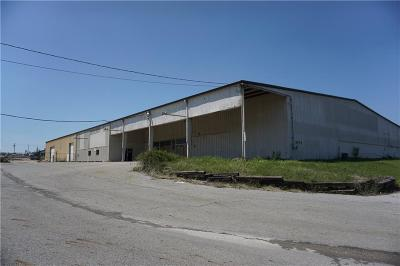 Grayson County Commercial For Sale: 5470 Texoma Pkwy
