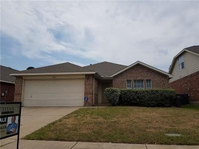 Fort Worth Single Family Home For Sale: 11012 Fawn Valley Drive