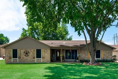 Burleson Single Family Home For Sale: 132 Southwood Drive