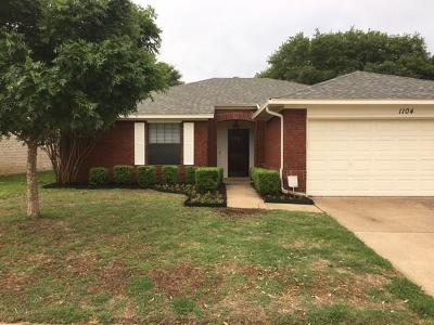 Euless Single Family Home For Sale: 1104 Saratoga Drive