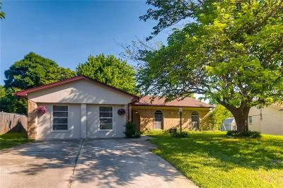 Mansfield Single Family Home Active Option Contract: 1003 Dayton Road