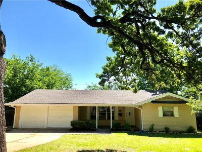Euless Single Family Home For Sale: 309 Dickey Drive