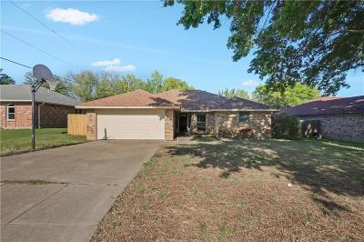 Benbrook Single Family Home For Sale: 1321 Lampasas Drive