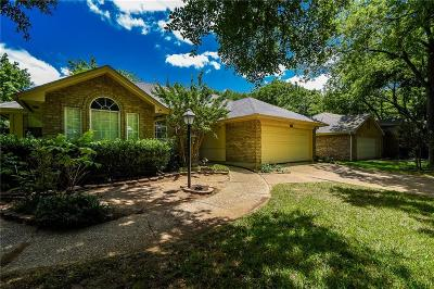 Grapevine Single Family Home For Sale: 1703 Parkwood Drive