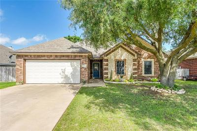 Cleburne Single Family Home For Sale: 711 Remington Drive
