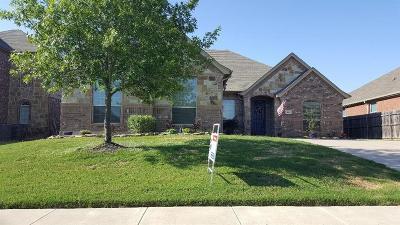 Burleson Single Family Home For Sale: 813 Peach Lane
