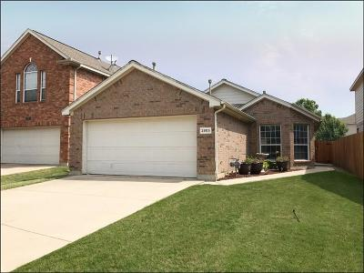 Fort Worth Single Family Home For Sale: 2805 Lynx Lane