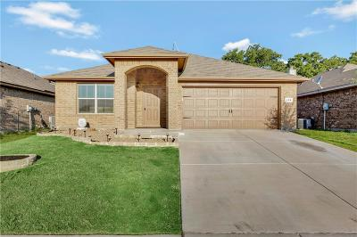 Azle Single Family Home For Sale: 108 Tall Meadow Street