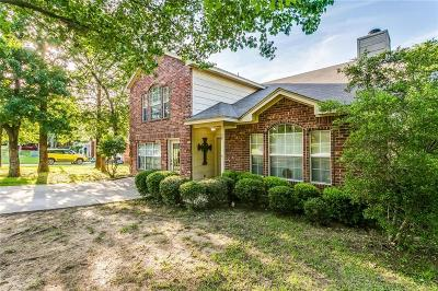 Azle Single Family Home For Sale: 569 Dylan Court