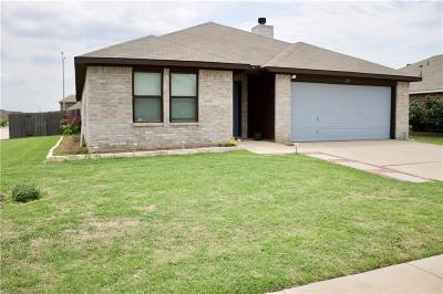 Burleson Single Family Home For Sale: 225 Arrowhead Drive