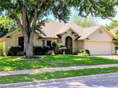 Keller Single Family Home For Sale: 304 Creekside Drive