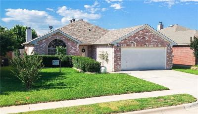 Fort Worth Single Family Home For Sale: 4812 Bridle Path Way