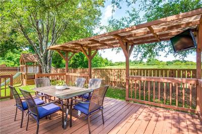 Grapevine Single Family Home For Sale: 527 Austin Oaks Drive