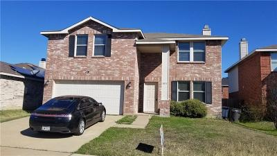 Fort Worth Single Family Home For Sale: 3836 German Pointer Way