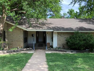 Garland Single Family Home For Sale: 909 Bardfield Avenue