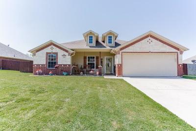 Bridgeport Single Family Home Active Kick Out: 2206 Ridgewood Drive W