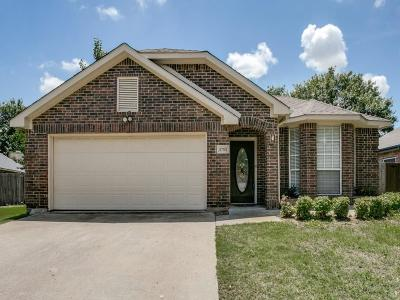 Grand Prairie Single Family Home For Sale: 2705 White Oak Drive