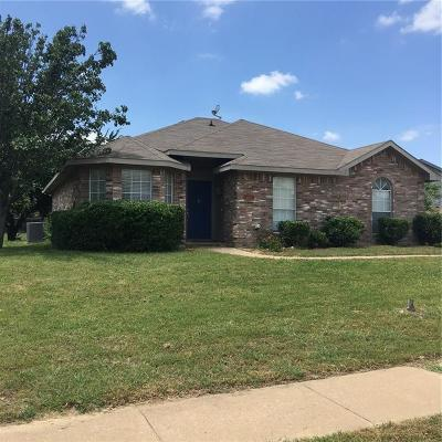 Midlothian Single Family Home For Sale: 6231 Hill Drive