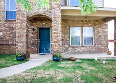 Burleson Single Family Home For Sale: 904 Hidden Oaks Drive