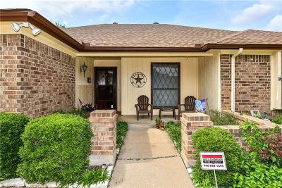 Arlington Single Family Home For Sale: 927 Thistle Ridge Lane
