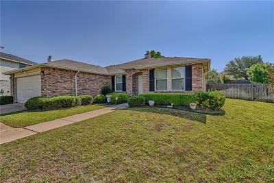 Burleson Single Family Home For Sale: 1404 Paint Brush Court