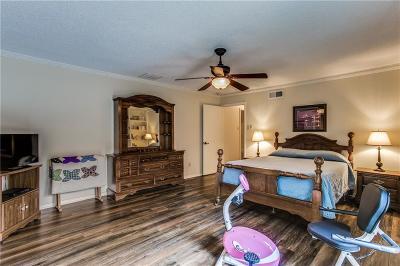 Dallas Half Duplex For Sale: 7334 Wellcrest Drive