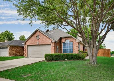 Lewisville Single Family Home For Sale: 902 Azalia Drive