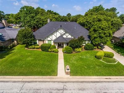 Arlington Single Family Home Active Contingent: 4614 Clay Court Lane